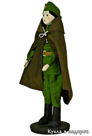 Кукла солдат из материи и фарфора