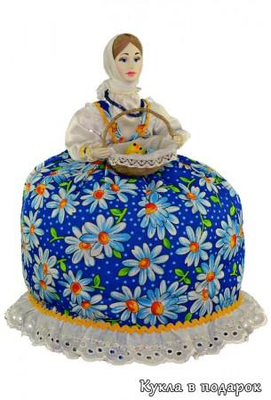 Пасхальная кукла грелка в голубом платье
