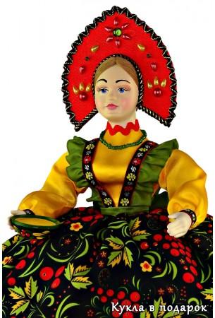 Хохлома кукла грелка на чайник с чашкой в руке