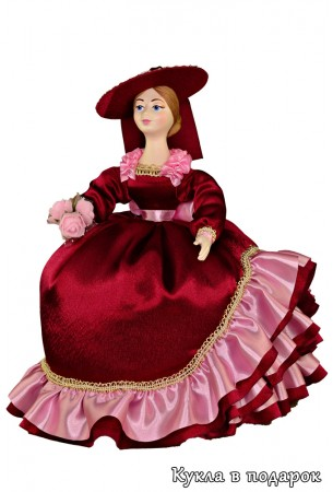 Кукла в темном бордовом платье грелка на заварочный чайник