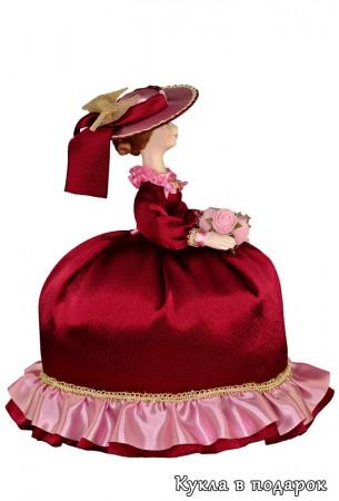 Кукла грелка  в бордовом платье для заварочного чайника