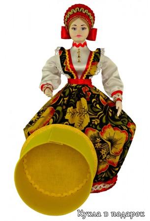 Шкатулка в подарок с круглой коробочкой внутри куклы
