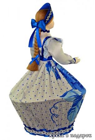 Красивая шкатулка ручной работы кукла в бело голубом