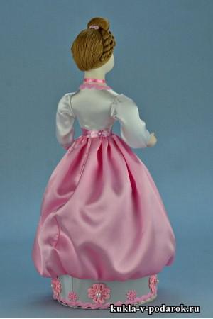 Фото красивая шкатулка кукла с прической