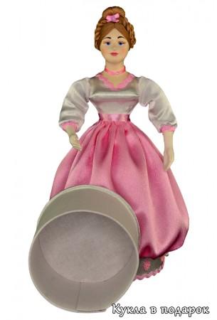 Внутри куклы шкатулки круглая коробочка