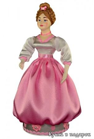 Красивая кукла шкатулка в нежных тонах