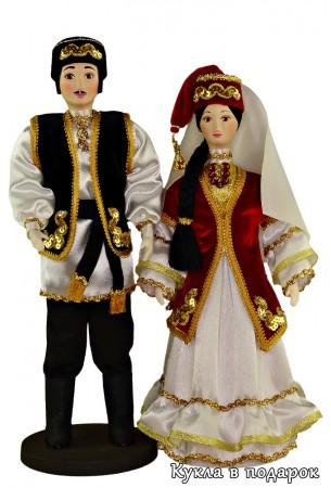 Сувенирная продукция куклы в татарских народных костюмах