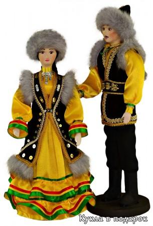 Куклы красивые башкирские женщина и мужчина