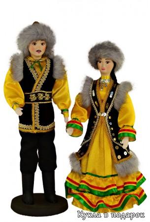 Красивые куклы в костюме Башкортостана