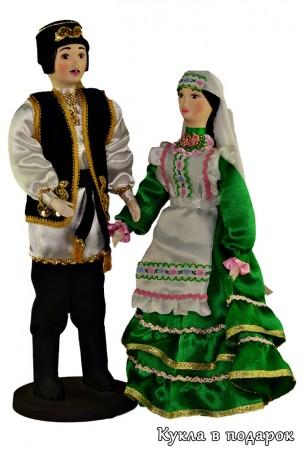 Пара татарских кукол мужчина и женщина