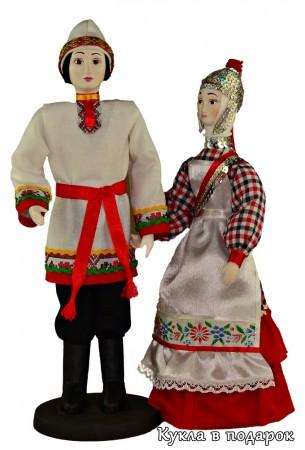 Куклы в чувашском женском и мужском костюме