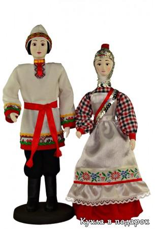 Чувашские куклы в национальных костюмах