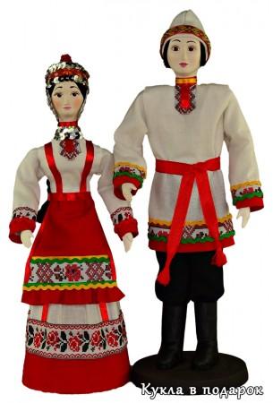 Народ Чувашии в национальной одежде