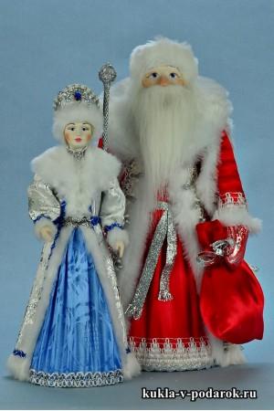 фото куклы на Новый год красивый красный Дед Мороз