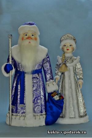 Дед Мороз в синем с серебром, Снегурочка в серебристом