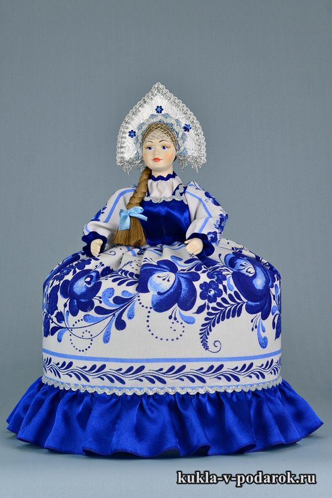 В стиле Гжель кукла сувенир на чайник