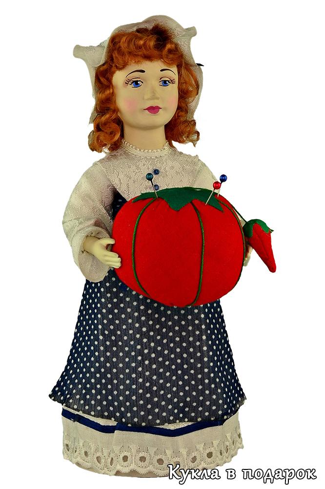 Подарок на день рождения кукла игольница