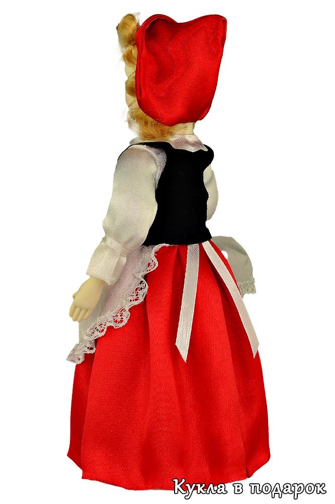 Кукла игольница в красной шапке