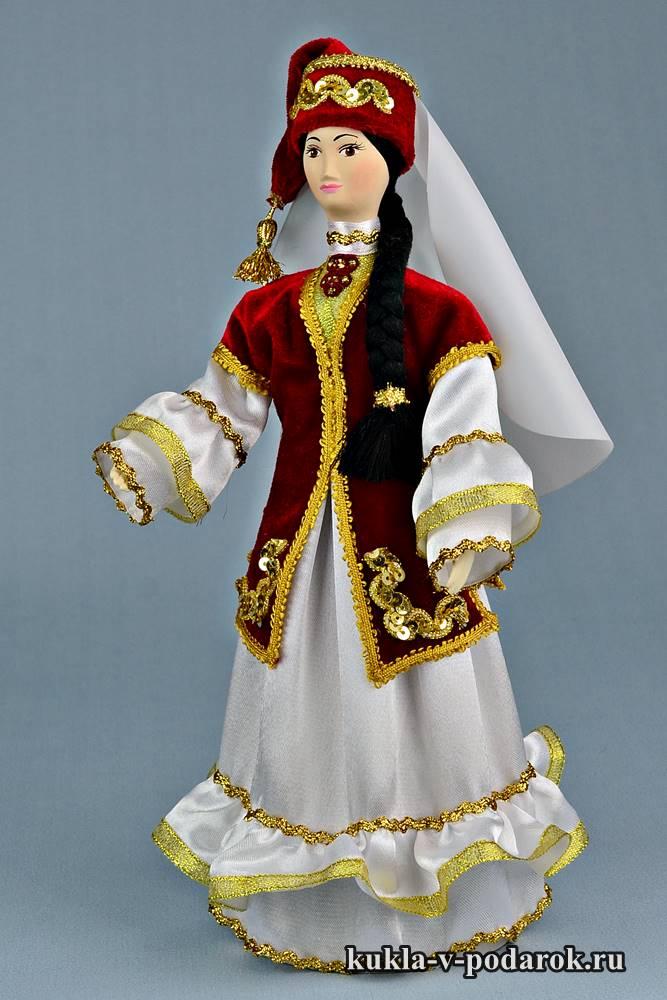 Кукла в татарском праздничном костюме