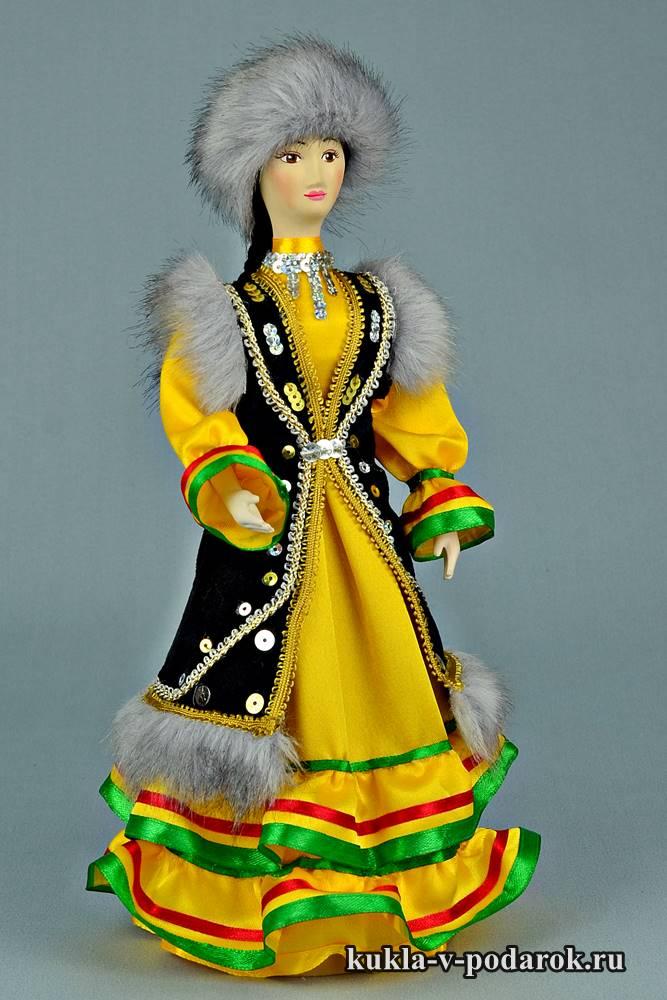 Башкирская кукла в национальном костюме