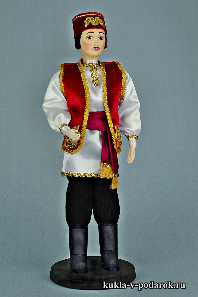 Кукла татарин в народной одежде