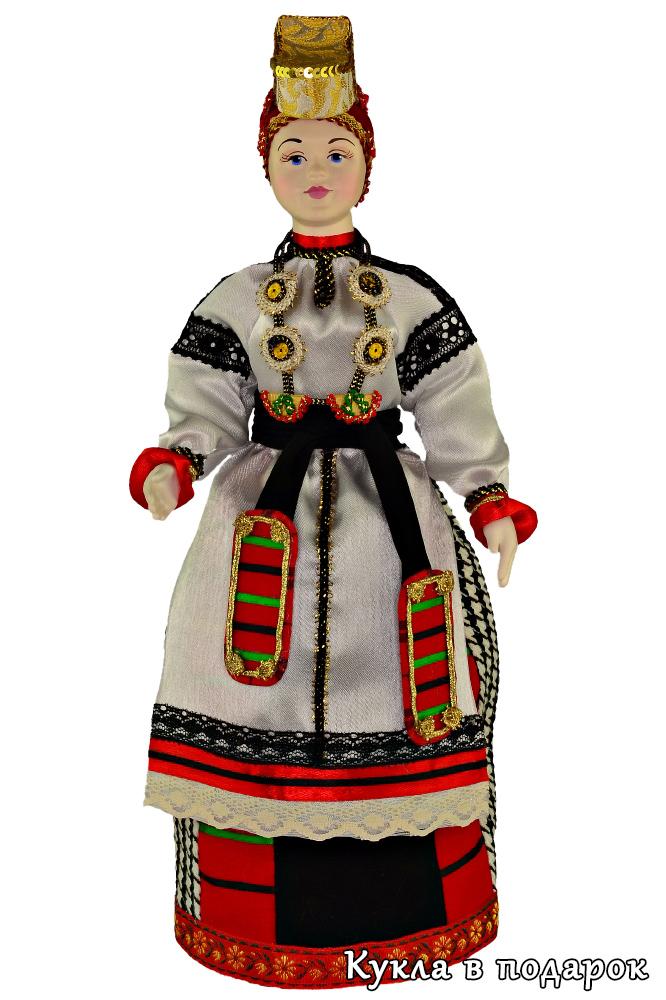 Кукла в подарок в русском костюме