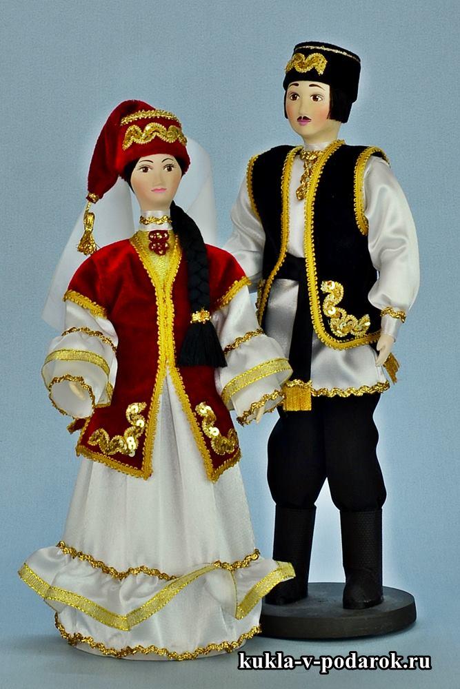 Татарские куклы в праздничном наряде