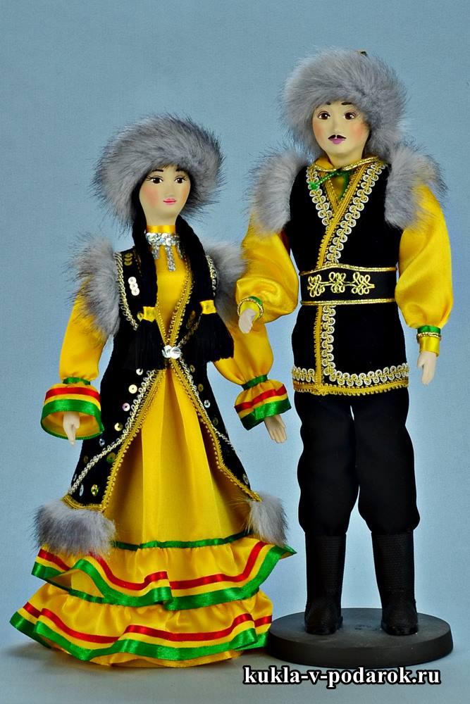 красивый набор кукол в башкирском костюме